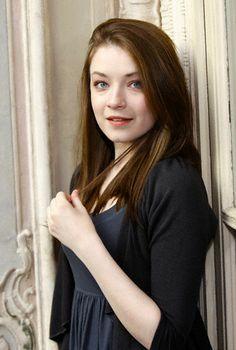 Sarah Bolger (Amelia)