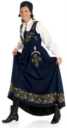 Traditional Norwegian folk costumes - Page 3 Norwegian Clothing, Dirndl Dress, Masquerade Costumes, Folk Costume, Historical Clothing, Traditional Dresses, Clothes, Norway, Embroidery