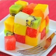 Fruit Salad and creative. May be a good way for kids to eat their fruits. Cute Food, I Love Food, Good Food, Yummy Food, Tasty, Yummy Yummy, Delicious Fruit, Delish, Fruit Snacks