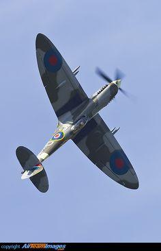 Supermarine 361 Spitfire LF16E Spitfire Supermarine, Ww2 Spitfire, Spitfire Airplane, Ww2 Aircraft, Military Aircraft, De Havilland Mosquito, The Spitfires, Aviation Image, Ww2 Planes