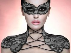 Makeup Body Art with Nelly Recchia