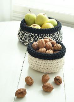 NEOVIA HOUSE: Crocheted Baskets