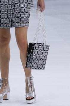 Chanel Spring 2016 Ready-to-Wear Fashion Show Details Chanel Handbags 6126c7aee9