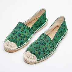 a94d870e516 Green Sunflowers Embroidered Espadrille Loafers