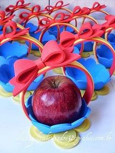 Disney Party Ideas: Snow White & the 7 Dwarfs Party Disney Princess Party, Princess Birthday, Snow White Birthday, Ideas Para Fiestas, Baby Party, Holidays And Events, First Birthdays, Party Time, Party Favors