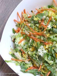 Eisbergsalat – all in one (Thermomix – Rezepte mit Herz) Laitue Iceberg – tout en un Chicken Salad Recipes, Healthy Salad Recipes, Diet Recipes, Vegetarian Recipes, Lettuce Recipes, Lunch Recipes, A Food, Good Food, Veggies