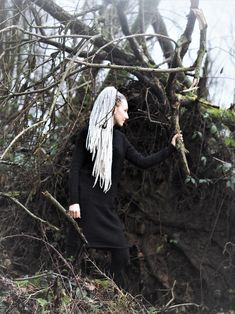#mysticforest  A little #tbt to last weekend doing a quick photoshoot because it was cold as ice ❄️ outside  Today is another photoshoot and we are sooooo excited to be able to show you the results pretty soon  Have an awesome day ❤️ #nature #naturephotography #dreadhead #dreadlocks #dreads #wolldreads #wooldreads #wolldreadlocks #hair #hairinspo #katinkadreads #hairinsporation #hairstyles #extensions #wooldreadlocks #hairextensions #photoshoot #forest #hairaccessories #strikeapose