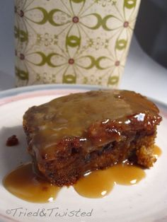 Prepare for a gooey sugar rush from the gods: Sticky Toffee Pudding! This classic British cake-like dessert is served warm with t. Sticky Toffee Pudding Cake, Pudding Recipes, Cake Recipes, Bread Puddings, Chia Pudding, English Cake Recipe, British Baking Show Recipes, British Cake, Recipes