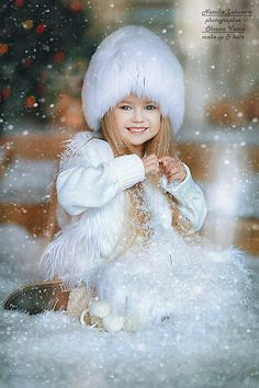 "Photo from album ""МОЯ АНИМАЦИЯ"" on Yandex. Beautiful Little Girls, Beautiful Children, Beautiful Babies, Funny Kids, Cute Kids, Cute Babies, Photo Zen, Images Gif, Theme Noel"