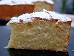 An Italian sponge cake that melts in the . An Italian sponge cake that melts in your mouth. Gourmet Recipes, Sweet Recipes, Cake Recipes, Dessert Recipes, Italian Sponge Cake, Italian Cake, Italian Foods, Chocolate Flan, Delicious Desserts