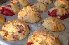 Muffins à la Fraise et à la Rhubarbe Biscuit Cookies, Muffin Recipes, Food To Make, Brunch, Dessert Recipes, Tasty, Favorite Recipes, Snacks, Cooking