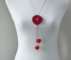 Filzketten - Filzkette mit gefilzter Blüte - ein Designerstück von CH-FilzKunst bei DaWanda