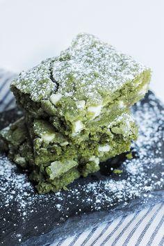 White Chocolate Matcha (Green Tea) Brownies Recipe - Couple Eats Food