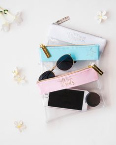Explore in style and with ease! Keep all of your important things together in our Clear Pouch 🌎 Gift Guide, Pouch, Explore, Gifts, Style, Presents, Sachets, Gifs, Hip Bag