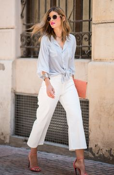 Street style inspiration. White trousers and light blue shirt.