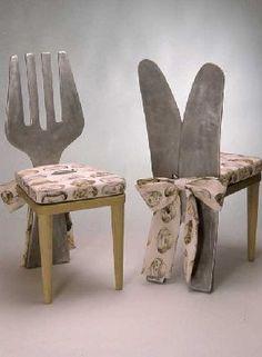 Messer- und Gabelstuhl als Küchenstühle aus Aluminium gegossen