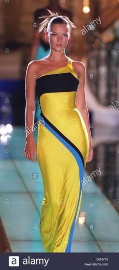 COLECCION GIANNI VERSACE FALL WINTER 1992 - Buscar con Google