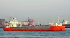 """Buque: """"AVALON"""". Año de contrucción: 2009.  Tipo: Transportador de carga seca y pesadas, contenedores en bodega y en cubiertas. Propietario: Wagenborg Shipping-Delfzijl (Holanda). Operador: Rederij Van Lent (Holanda). Dimensiones: Eslora 88,6 m. Manga 8,5 m. Calado 5,4 m. Carga (DWT): 3.850.m. Contenedores TEU: 188 Tm. Motor: Caterpilar MAK - tipo 9M20C. Potencia: 1.520 kW (2.065 hp) a 1.000 rpm. Velocidad máxima: 12,3 nudos. Identificativo: PBSF. IMO: 9387322. Bandera: Holanda."""