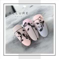 who's make this design? Nail Art Hacks, Nail Art Diy, Nail Art Arabesque, Monogram Nails, Swirl Nail Art, Nail Art Wheel, Paris Nails, Natural Nail Art, May Nails