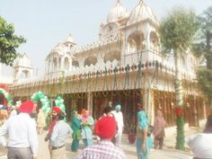 Yuvraj Singh n Hazel Keech got married Nov 30 at the Dera of Baba Ram Singh at a Gurudwara, 40 kms from Chandigarh, via @topupyourtrip