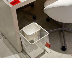 Usem um recipiente pequeno dentro de um maior, para que tenham por perto dois em um: dois tipos de resíduos num objecto apenas.