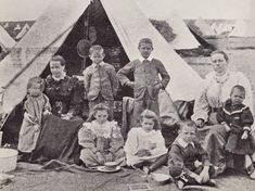 One of many Boer families of high class after arrival at a UK concentration camp. Contemporary History, New York Life, A Day In Life, African History, Cute Images, Military History, Old Pictures, Warfare, South Africa