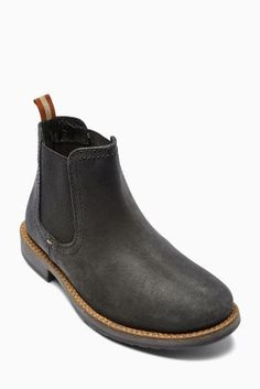 Can never have enough boots! These are the perfect pair for running through those Autumn leaves this Fall!