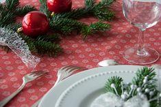 Table de fête en shweshwe rouge motif tawashi