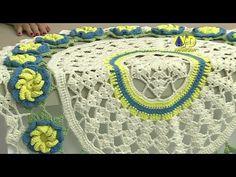 Vida com Arte   Painel redondo com flores em crochê por Marta Araújo - 2...