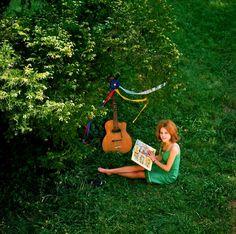 plaisirdelire: France Gall à 16 ans, dans l'Yonne, Juin 1964. http://25.media.tumblr.com/13df39feade02dab6cce5278a65d40ee/tumblr_mjkkcd5xmX1qlo2foo1_1280.jpg