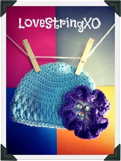 Crochet Jewel Flower  Baby Beanie / Photo Props / Girls hat / Etsy Baby / Crochet Bebe / Handmade gift ideas. $23.00, via Etsy.