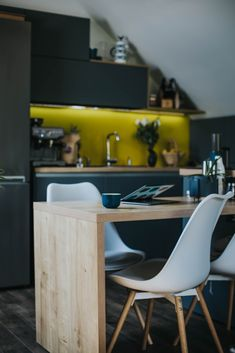 See Instagram photos and videos from us (@blucoffeeroaster) #coffee #cafe #coffeetime #coffeeshop #coffeelover #food #love #barista #espresso #coffeelovers #tea #breakfast #instagood #latte #coffeeaddict #foodporn #coffeeholic #foodie #kopi #photography #instacoffee #art #coffeegram #caf #latteart #like #goodmorning #caffeine #coffeebreak #ikea #design #interior Coffee Break, Morning Coffee, Coffee Cafe, Coffee Shop, Ikea Design, Latte Art, Barista, Caffeine, Espresso