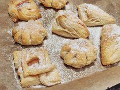 Se paras voileipäkakku - Piparkakkutalon Akka Bread, Cookies, Desserts, Food, Mascarpone, Crack Crackers, Tailgate Desserts, Deserts, Brot