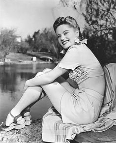 Vintage Hairstyles snapshot found photo girl by lake playsuit short crop top hairstyle sandal shoes summer casual wear charming swing war era. Vintage Fashion Inspiration For Vintage Expert Kate Beavis Hollywood Fashion, 1940s Fashion, Hollywood Actresses, Old Hollywood, Vintage Fashion, Classic Hollywood, Hollywood Celebrities, Top Hairstyles, Vintage Hairstyles