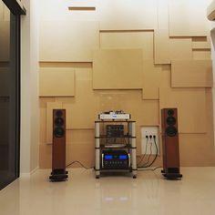 Night Listening. #vinyl #analog #vinyloftheday #vinyljunkie #instavinyl #vinylgram #vinylcollection #vinyligclub #vinylcommunity #audiophile #hifi #listeningsession #records #recordcollection