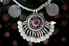 JOYERÍA TRIBAL KUCHI colgantes Vintage monedas y por TribalMuse