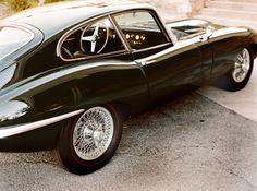 megadeluxe:  Jaguar E-Type by Andrew Paynter