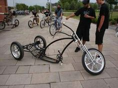 How can we make this fit in our bus racks?Cut it in half! Example of skills/ materials wasted. Trike Bicycle, Lowrider Bicycle, Motorcycle Bike, Cool Bicycles, Cool Bikes, Custom Trikes, Push Bikes, Drift Trike, Chopper Bike