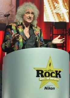 """✊BRIAN MAY dedicated Queen's Living Legends award at the Classic Rock Roll Of Honour to the """"incredible and irrepressible"""" FREDDIE MERCURY. The prize was presented by Joe Satriani at the tail-end of tonight's ceremony at London's Roundhouse. And the Queen guitarist was quick to mention the late vocalist, who brought a huge round of applause when footage of him performing Bohemian Rhapsody was broadcast on a giant screen at the venue. Also mentioning drummer ROGER TAYLOR and former Queen…"""
