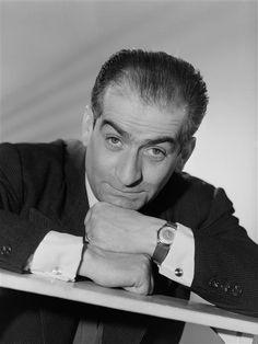 """""""Louis de Funès, 1957"""", Studio Harcourt. Photo (C) Ministère de la Culture - Médiathèque du Patrimoine, Dist. RMN-Grand Palais / Studio Harcourt - Droits : Etat"""