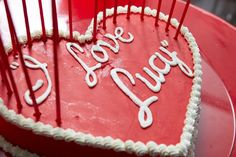 I Love Lucy Red Heart Cake for Bat Mitzvah NYC {Photo by 5th Avenue Digital} - mazelmoments.com