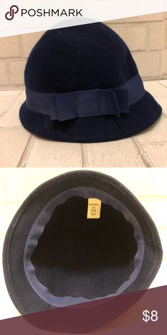 NWOT Old Navy hat Navy colored Old Navy brimmed hat. Sz  Small Medium 17b7795c0a7b