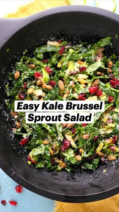 Kale Brussel Sprout Salad, Kale Salad, Soup And Salad, Kale And Cabbage Recipe, Cabbage Recipes, Healthy Dinners, Healthy Snacks, Healthy Eating, Salad Recipes For Dinner