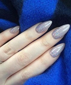 Love This Awesome Design of Stilleto Nails