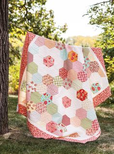 Quilting Quickly - Quilting Quickly is the perfect project book for today's quilters who live such busy lives that they can't spend months or years on a quilt. The designs in this book, created for Fons