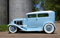 Very Nice ! Classic Hot Rod, Classic Cars, Old School Chopper, 32 Ford, Sweet Cars, Custom Cars, Muscle Cars, Hot Rods, Antique Cars