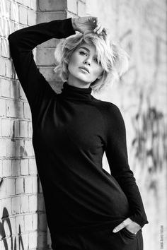 - mm (modern marilyn) - by Simon-David Tschan - Photo 125527975 - Dark Photography, Glamour Photography, Black And White Photography, Portrait Photography, Poses Modelo, Pose Reference Photo, Street Portrait, Marilyn Monroe Photos, Black And White Portraits