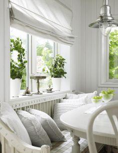 Cottage Farm - great little nook. White Cottage, Cozy Cottage, Cottage Homes, Cottage Style, Scandinavian Cottage, Swedish Cottage, Luxury Interior Design, White Houses, Decoration Table
