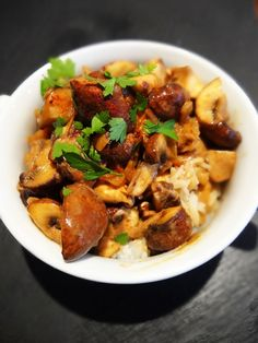 This Diet friendly Mushroom Stroganoff recipe is a cheap dinner and quick vegetarian recipe for hungry dieters at less than 100 calories Low Calorie Recipes, Diet Recipes, Cooking Recipes, Healthy Recipes, Diet Meals, Sw Meals, Healthy Options, Veggie Recipes, Fast Food Diet