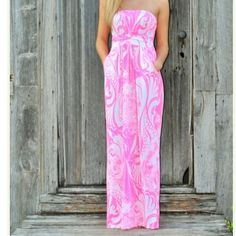 Pink and white maxi dress!!  Never worn! Never worn.  Size Medium maxi dress.  It's very pretty, I just haven't used it.  Looking to clear out space and hoping one of you can put it to good use!! Dresses Maxi